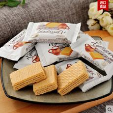 俄罗斯商品 俄罗斯小农庄奶罐威化饼干进口零食品500克 包邮
