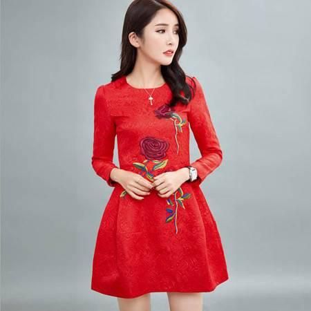 乡情浓 秋季新款长袖刺绣连衣裙修身显瘦小礼服8024