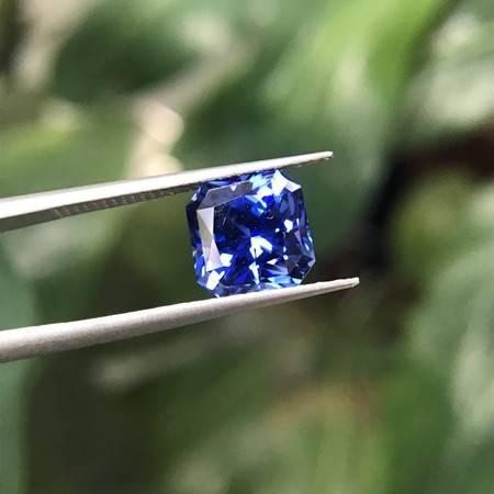 晶兮 皇家蓝蓝宝石 雷迪恩 裸石 高端珠宝定制 彩色宝石代客镶嵌